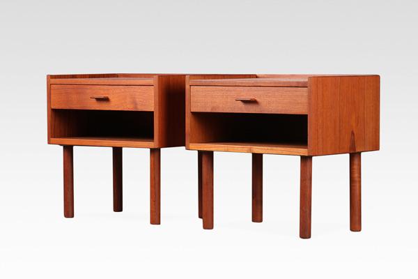 Hans J. Wegner  Night table .RY430  RY Mobler (1).jpg