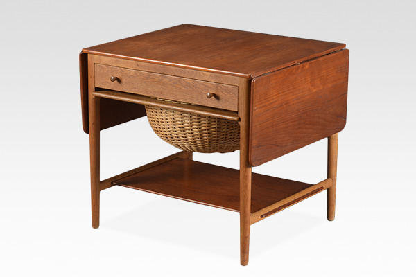 Hans J. Wegner  Sewing table. AT33  Andreas Tuck.jpg
