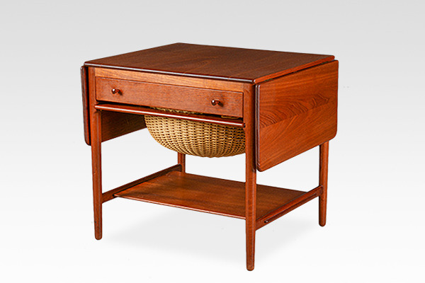 Hans J. Wegner  Sewing table. AT33  Andreas Tuck (1).jpg