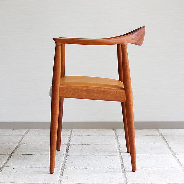 Hans J. Wegner  The chair. JH-503  Johannes Hansen (23).jpg
