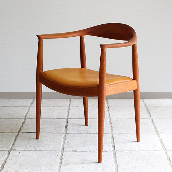 Hans J. Wegner  The chair. JH-503  Johannes Hansen (24).jpg