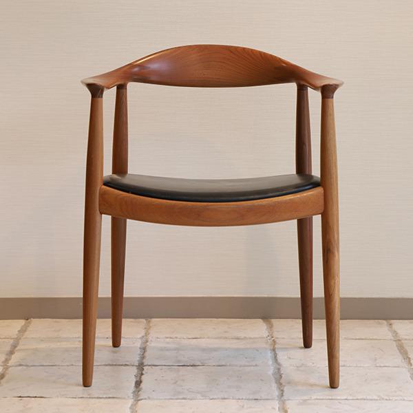 Hans J. Wegner  The chair. JH-503  Johannes Hansen (6).jpg