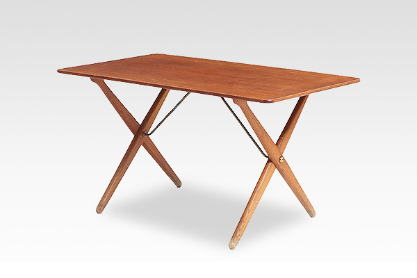 Hans J. Wegner  X-leg Coffee table. AT308  Andreas Tuck (1).jpg