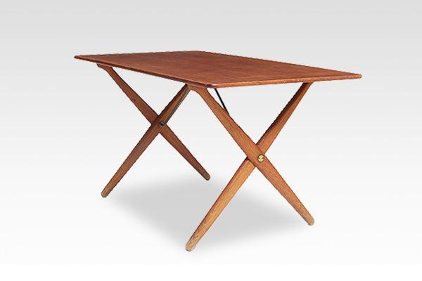 Hans J. Wegner  X-leg Coffee table. AT308  Andreas Tuck (2).jpg