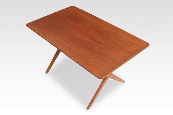 Hans J. Wegner  X-leg Coffee table. AT308  Andreas Tuck (3).jpg