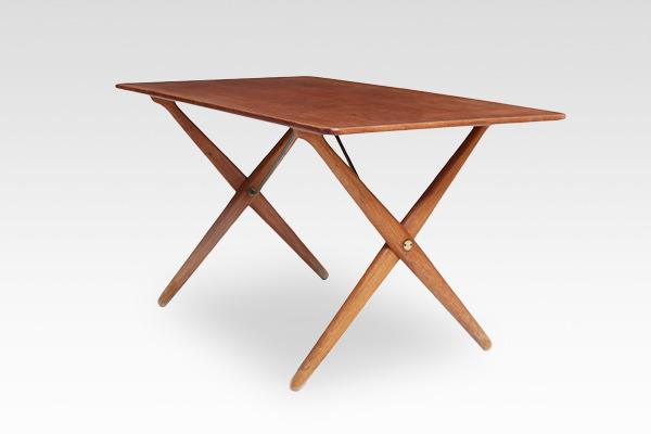 Hans J. Wegner  X-leg Coffee table. AT308  Andreas Tuck (5).jpg