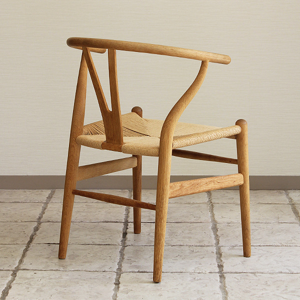 Hans J. Wegner  Y-chair  Carl Hansen & son oak (12).jpg