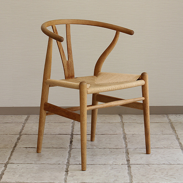 Hans J. Wegner  Y-chair  Carl Hansen & son oak (8).jpg