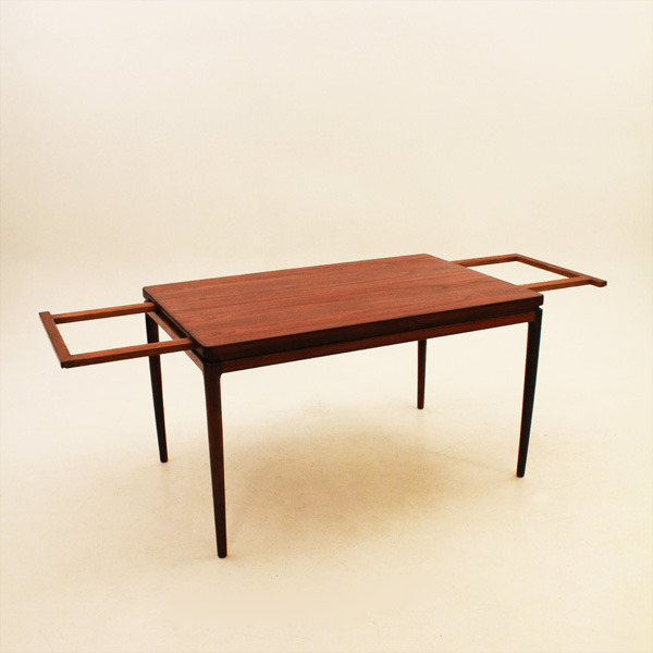 Ib-Kofod-Larsen--Dining-table-02.jpg