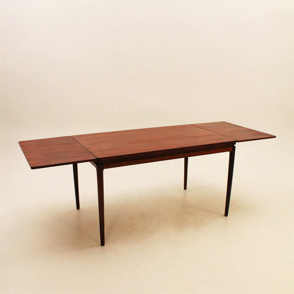 Ib-Kofod-Larsen--Dining-table-05.jpg