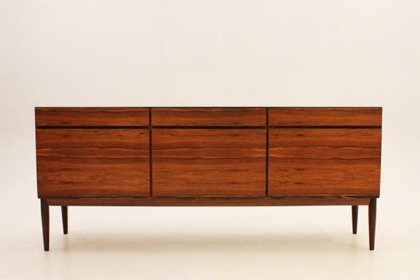 Ib-Kofod-Larsen--Sideboard-01.jpg