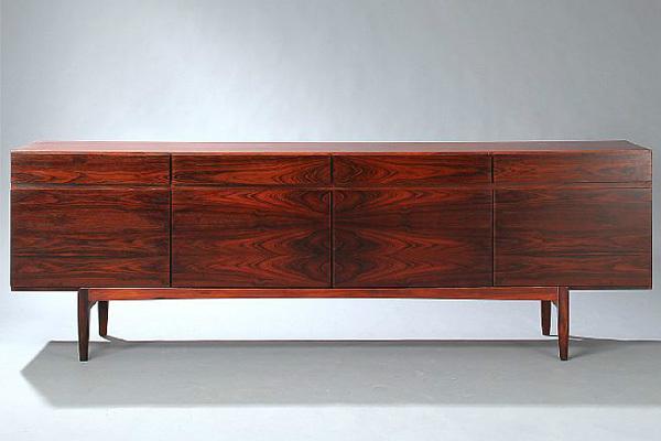 Ib-Kofod-Larsen-Sideboard-01.jpg