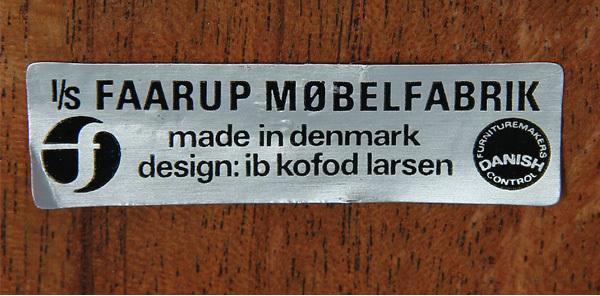 Ib-Kofod-Larsen-Sideboard-04.jpg