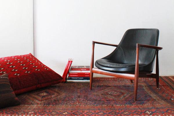 Ib-kofod-LarsenElisabeth-chair-01.jpg