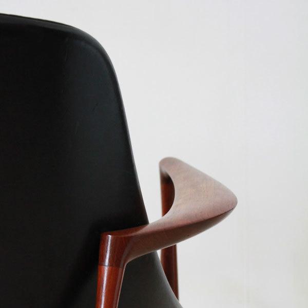Ib-kofod-LarsenElisabeth-chair-09.jpg