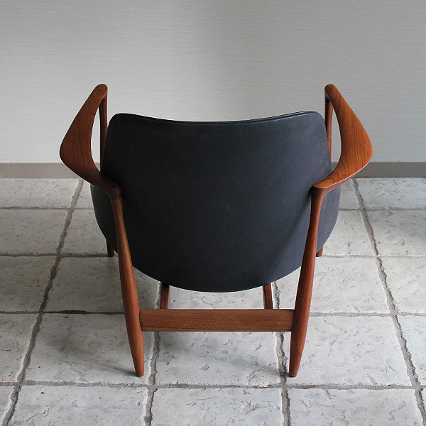 Ib kofod-Larsen  Elisabeth chair (11).jpg