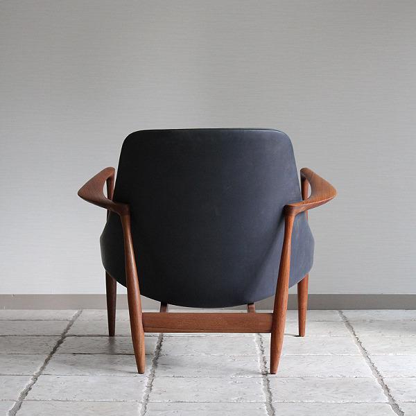Ib kofod-Larsen  Elisabeth chair (15).jpg