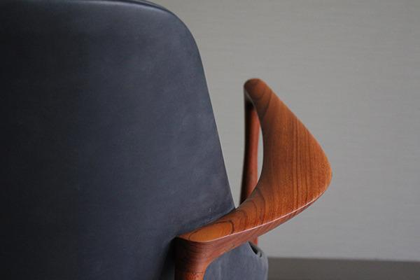 Ib kofod-Larsen  Elisabeth chair (9).jpg