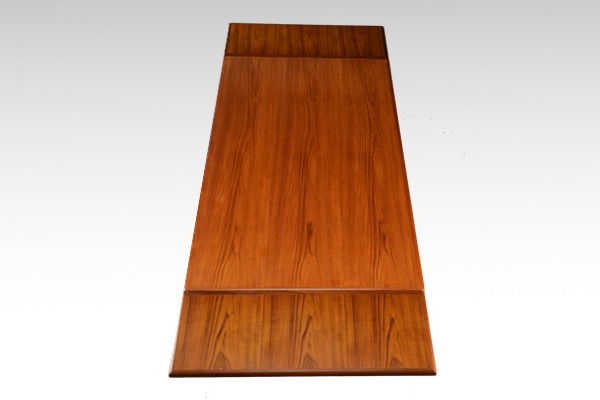Johannes-Andersen--Extension-dining-table--Uldum-Mobelfabrik-03.jpg