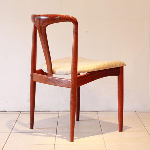 Johannes-Andersen-Dining-chairs-03.jpg