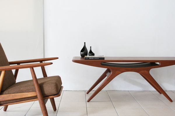 Johannes-Andersen-UFO-table-02.jpg