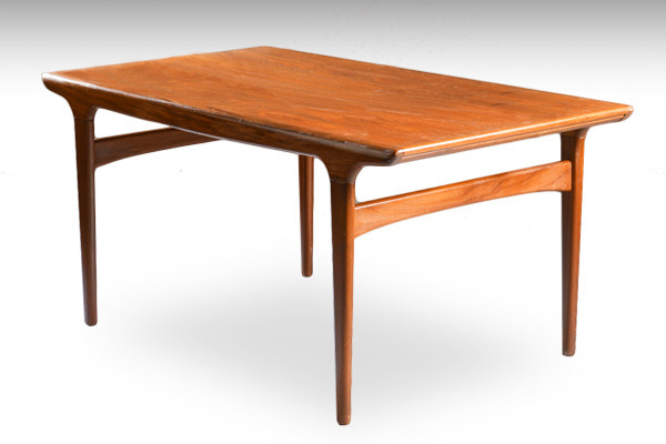 Johannes-Andersen.-Spisebord,-teaktræ-02.jpg