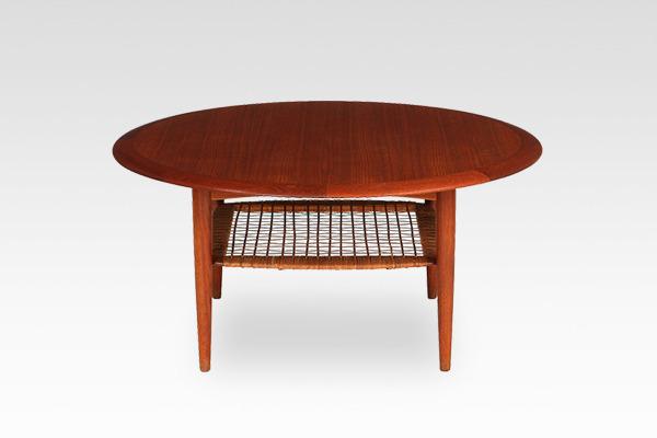 Johannes Andersen  Circular coffee table  C.F.C. Silkeborg (2).jpg