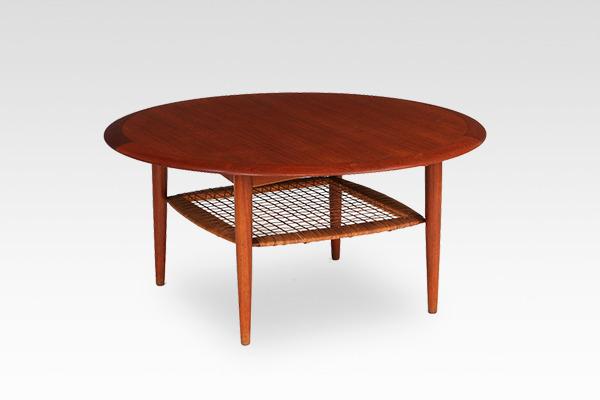 Johannes Andersen  Circular coffee table  C.F.C. Silkeborg (3).jpg