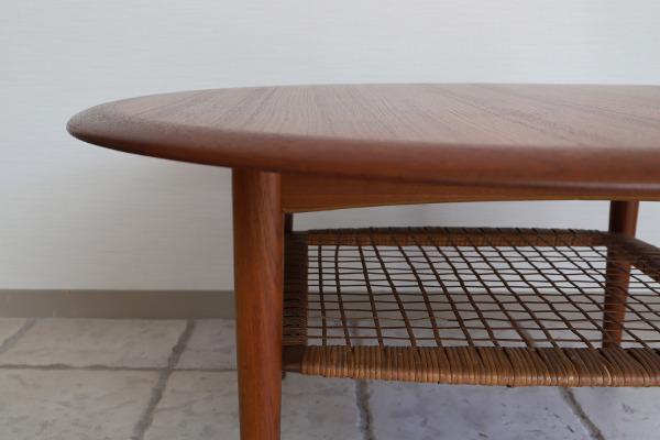Johannes Andersen  Circular coffee table  C.F.C. Silkeborg (8).jpg