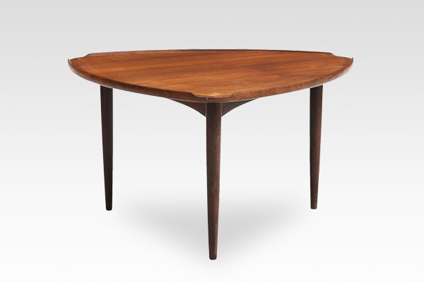 Johannes Andersen  Coffee table rosewood  C.F. Christensen (1).jpg