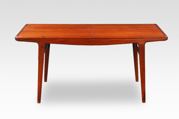 Johannes Andersen  Extension dining table  Uldum Mobelfabrik-01 (1).jpg