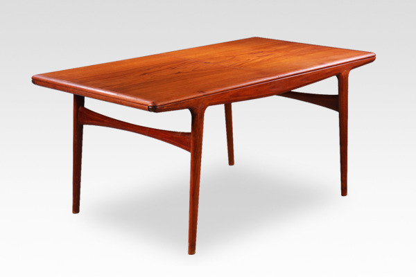 Johannes Andersen  Extension dining table  Uldum Mobelfabrik-01 (2).jpg