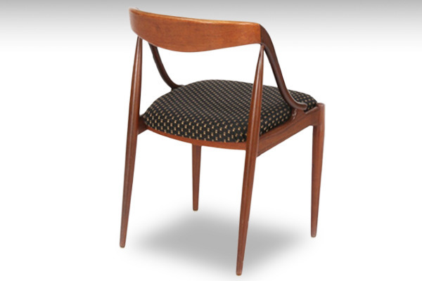 Johannes Andersen  dining chair teak  Uldum Møbler-03.jpg