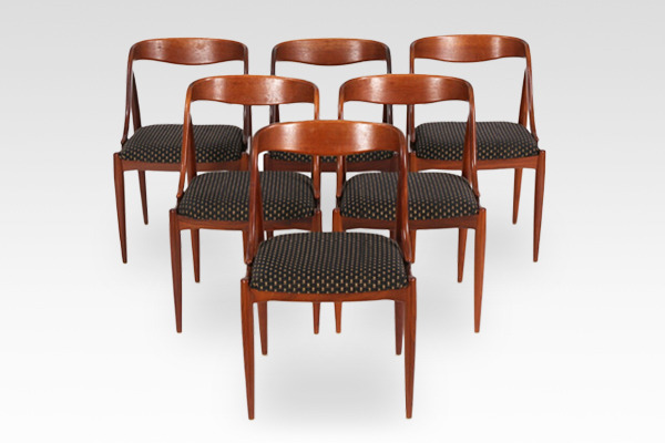 Johannes Andersen  dining chair teak  Uldum Møbler (1).jpg