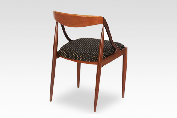 Johannes Andersen  dining chair teak  Uldum Møbler (3).jpg