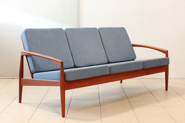 Kai-Kristiansen--Paper-knife-sofa-01.jpg