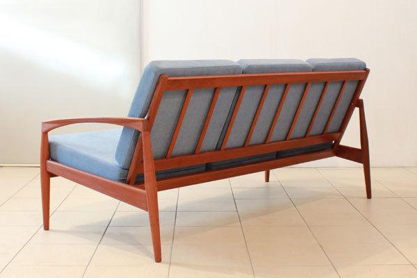 Kai-Kristiansen--Paper-knife-sofa-03.jpg