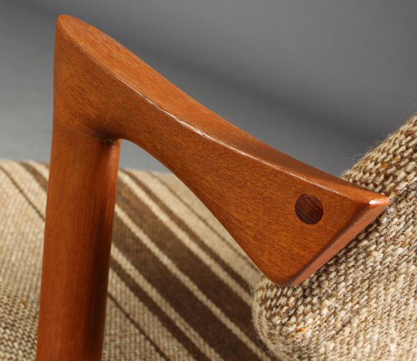 Kai-Kristiansen.-Fire-stole-model-42---teaktræ-03.jpg