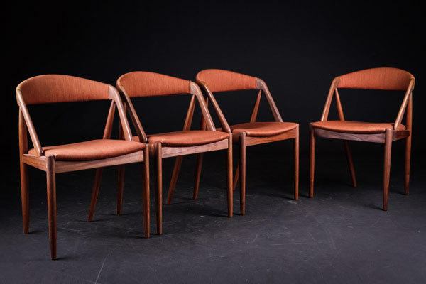 Kai-kristiansen-set-of-4-dining-chairs-01.jpg
