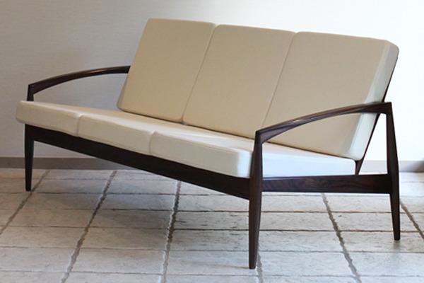 Kai Kristiansen  Paper knife sofa  Magnus Olesen-01.jpg