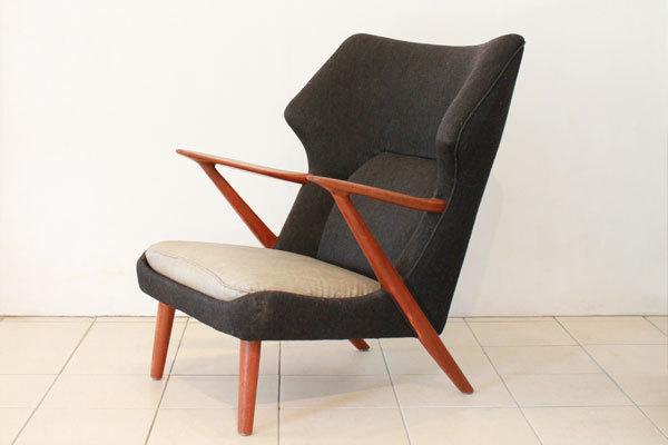 Kurt-Olsen-easy-chair-model-221-01.jpg