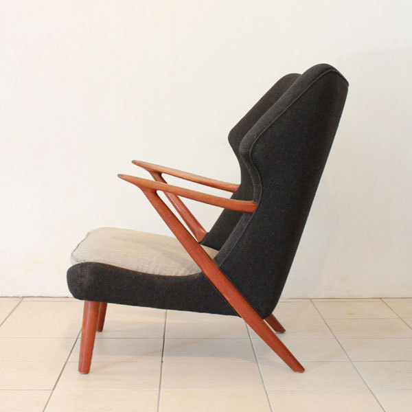 Kurt-Olsen-easy-chair-model-221-02.jpg