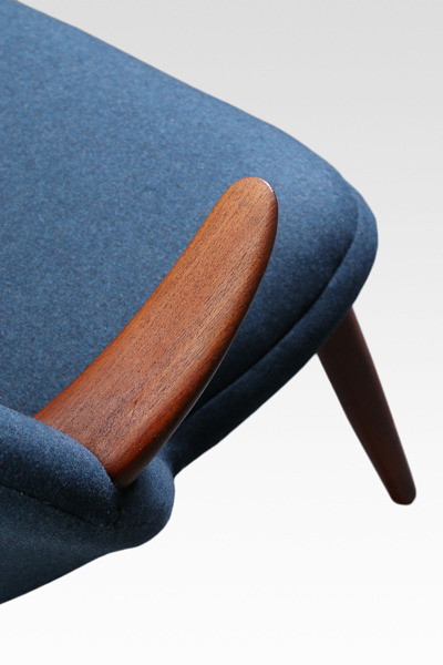 Kurt Olsen  Easy chair  Glostrup Mobelfabrik (1).jpg