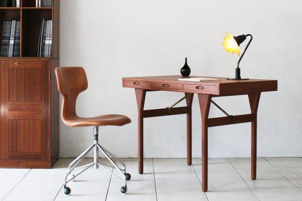 Nanna-ditzel-Desk-01.jpg