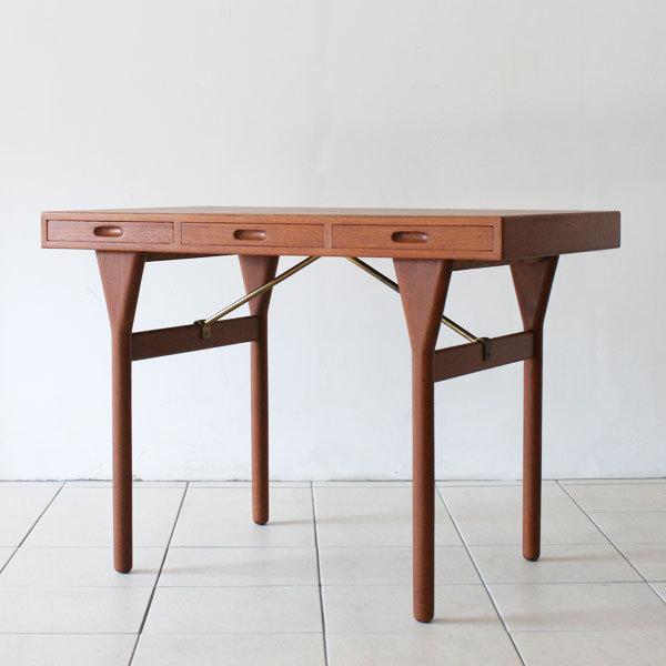 Nanna-ditzel-Desk-02.jpg