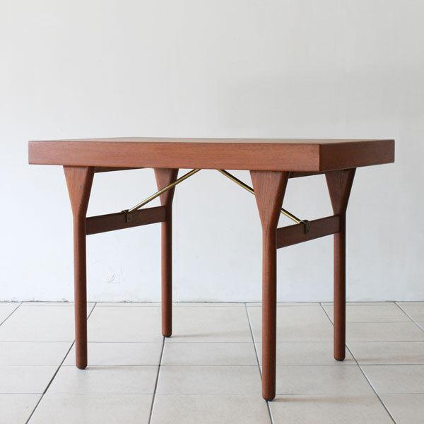 Nanna-ditzel-Desk-04.jpg