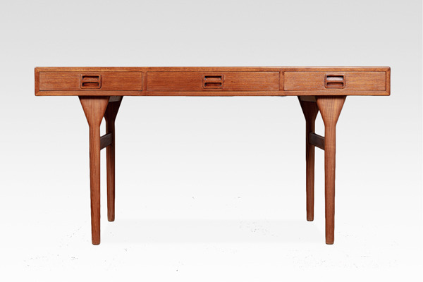 Nanna Ditzel  Desk .Teak  Soren Willadsen (1).jpg