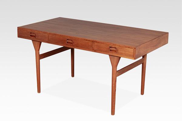 Nanna Ditzel  Desk .Teak  Soren Willadsen (2).jpg