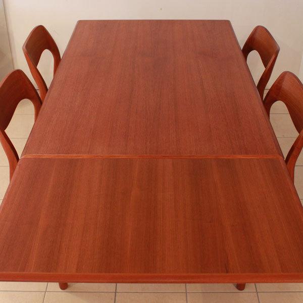 Niels-O-Moller-Teak-Dining-set-03.jpg