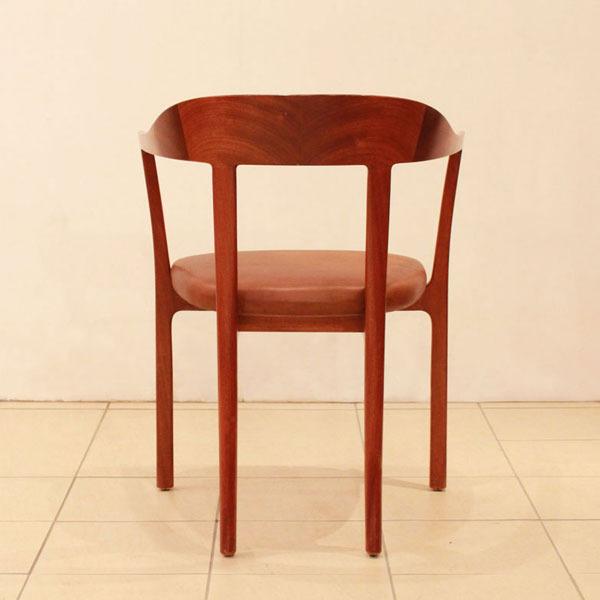 Ole-Wanscher-Armchair-04.jpg